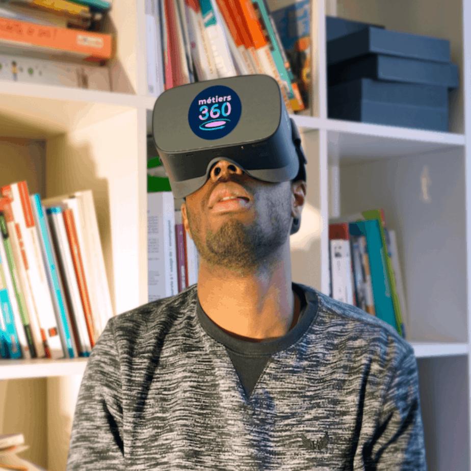Utilisation d'un casque de réalité virtuelle pour la découverte des métiers